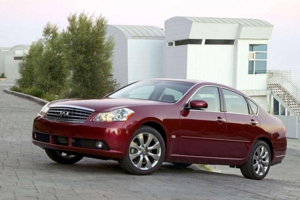 Похоже разные / Тест-драйв Lexus GS 460 и Infiniti M45 S