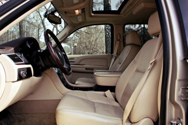 Cadillac Escalade. Примеряем на себя