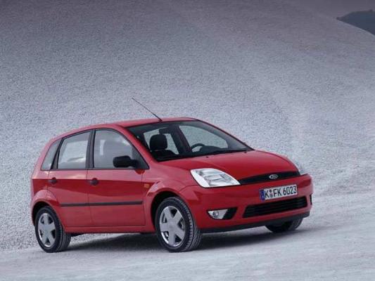 Экономия и престиж / Тест-драйв Ford Fiesta