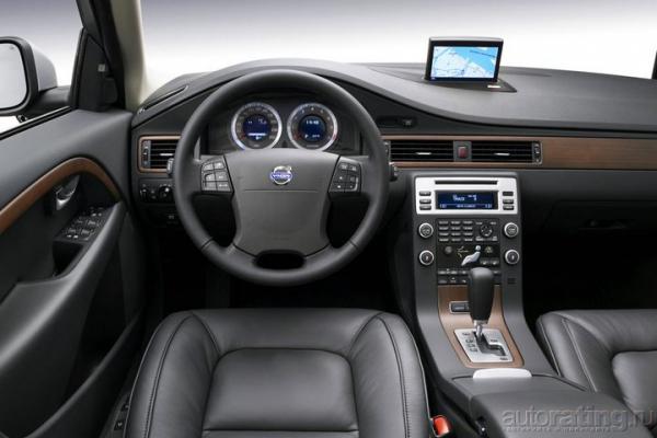 Молодо-безопасно / Тест-драйв Volvo V70
