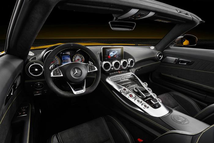 родстер Mercedes-AMG GT S