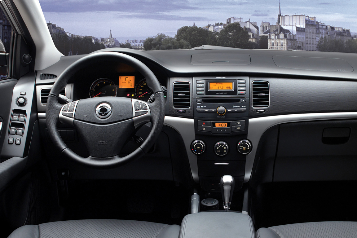 new-actyon-interior.jpg