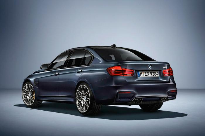 Компания BMW представила седан M3 30 Jahre
