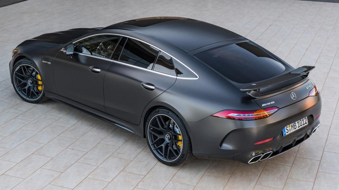 Компания Mercedes-Benz представила пятидверный лифтбек AMG GT