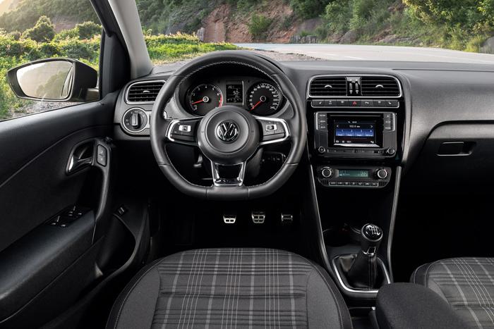 Интерьер Volkswagen Polo GT