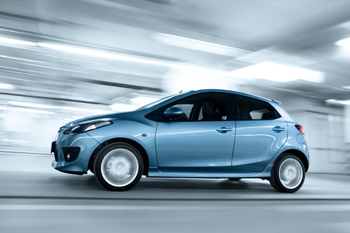 Mazda2_Flash_Edition_action_001_ru_jpg72.jpg