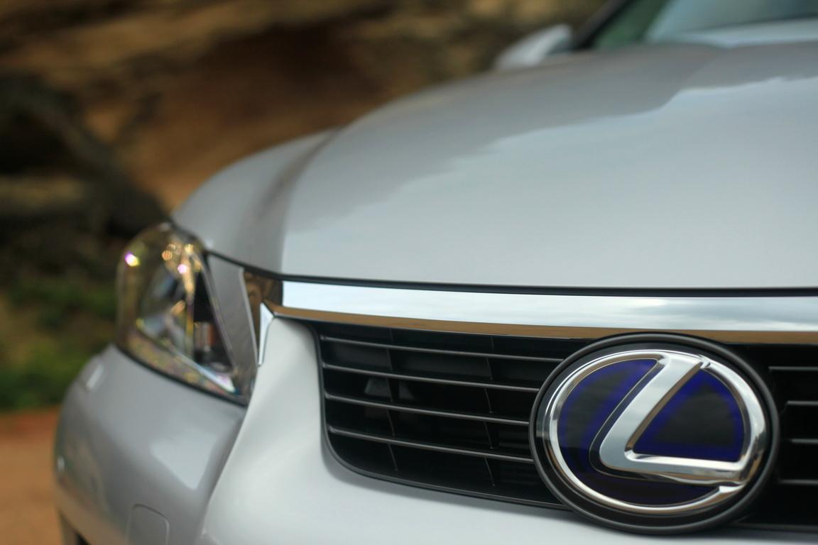 1-Lexus-CT200h_09_resize.jpg
