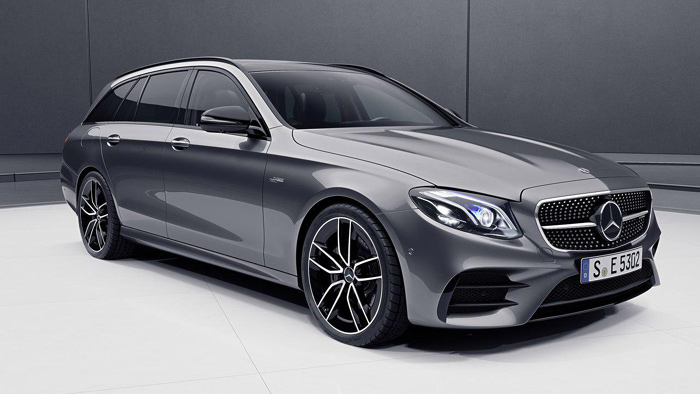 Benz продемонстрировал обновленные седан иуниверсал E-Class