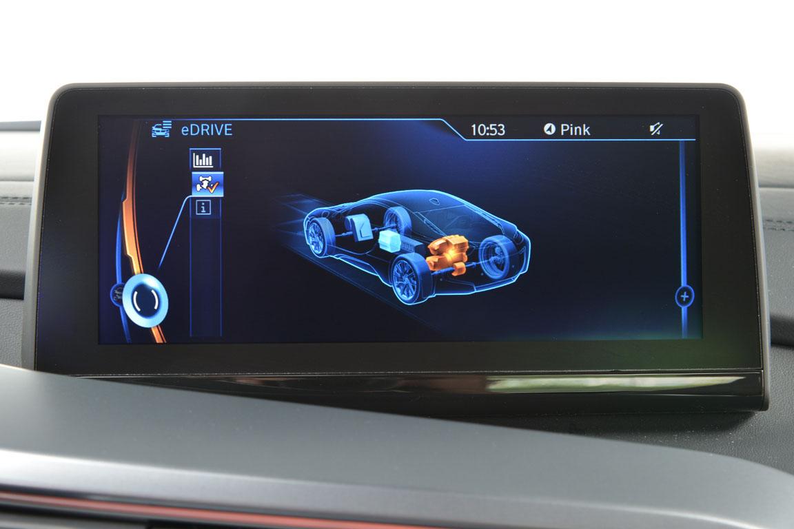 BMW i8 салон