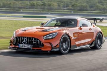 Mercedes-AMG пока не отказывается от мотора V8