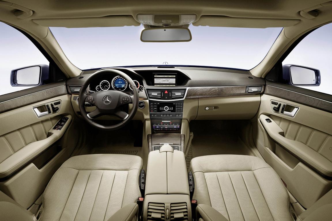 Mercedes-Benz-E-Class_2010_1280x960_wallpaper_93.jpg