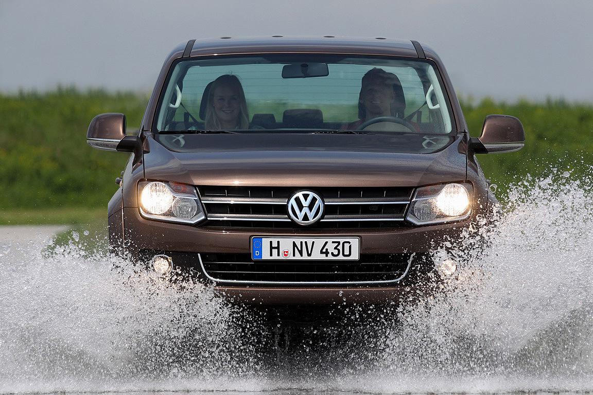 volkswagen-Amarok-PickUp-2011_08.jpg