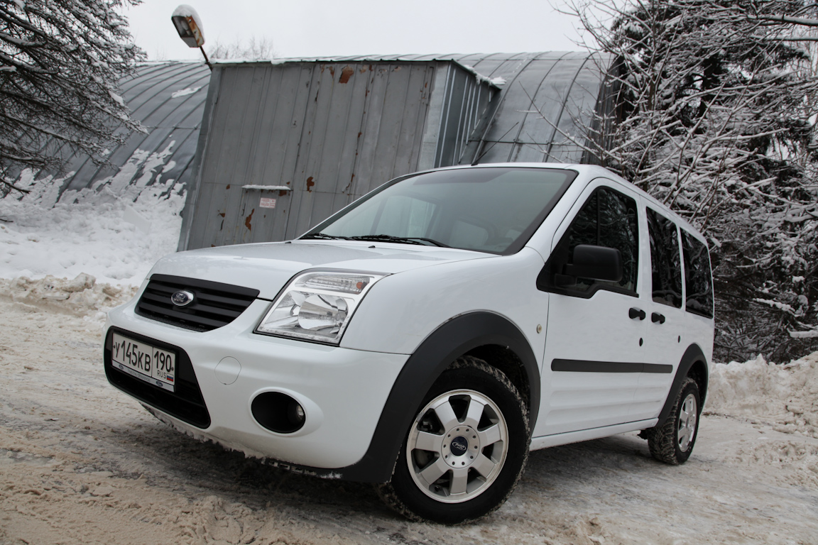 Ford Tourneo Connect: для дома, для семьи