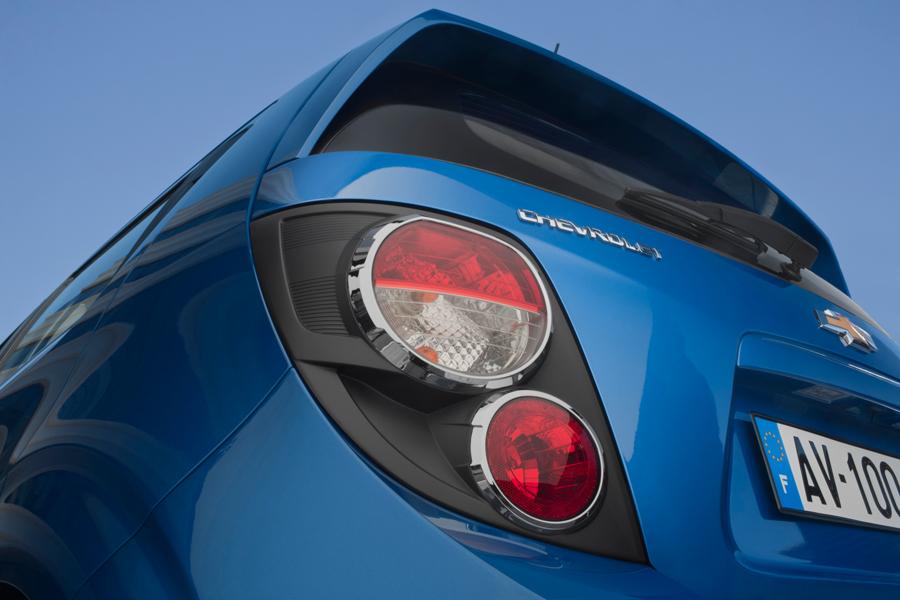 Chevrolet Aveo: Задира