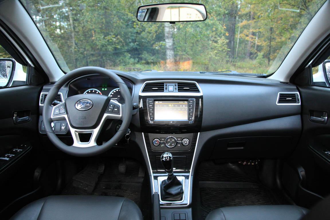 LIFAN Solano II vs Hyundai Solaris: Кто на новенького?
