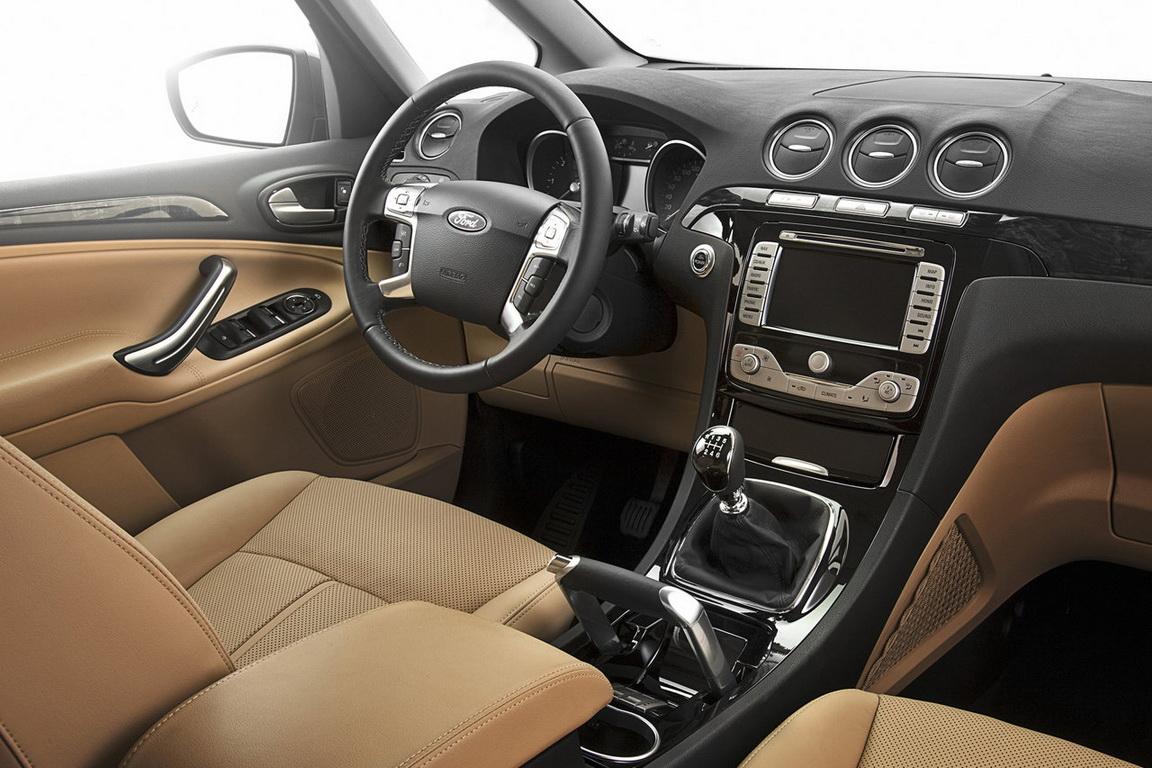 Ford-Galaxy_2011_12.jpg