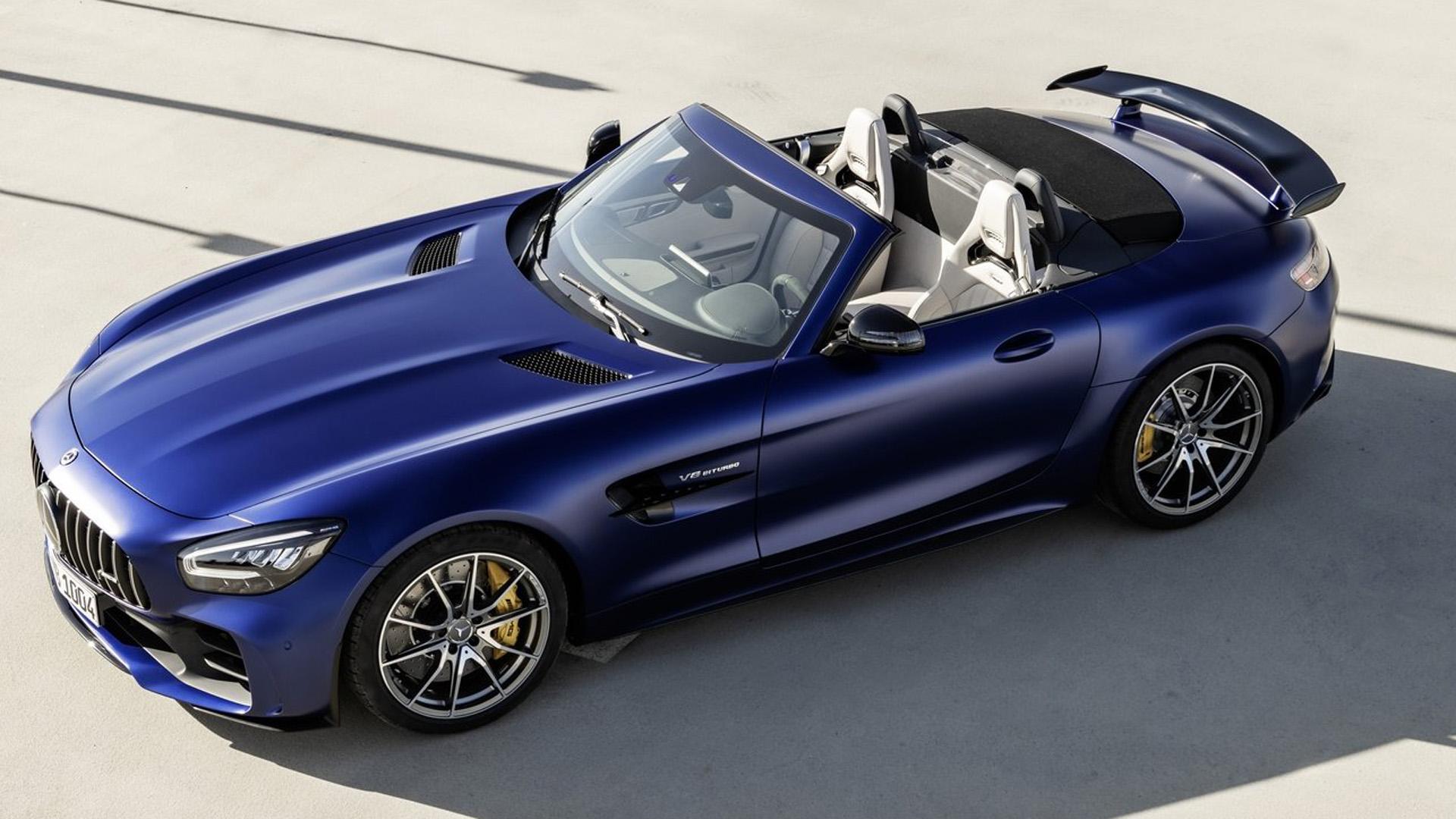 Mercedes показал «заряженный» родстер AMG GT R
