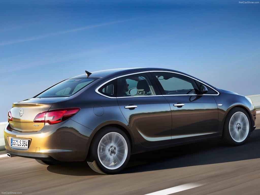 Opel-Astra_Sedan_2013_1600x1200_wallpaper_0a.jpg
