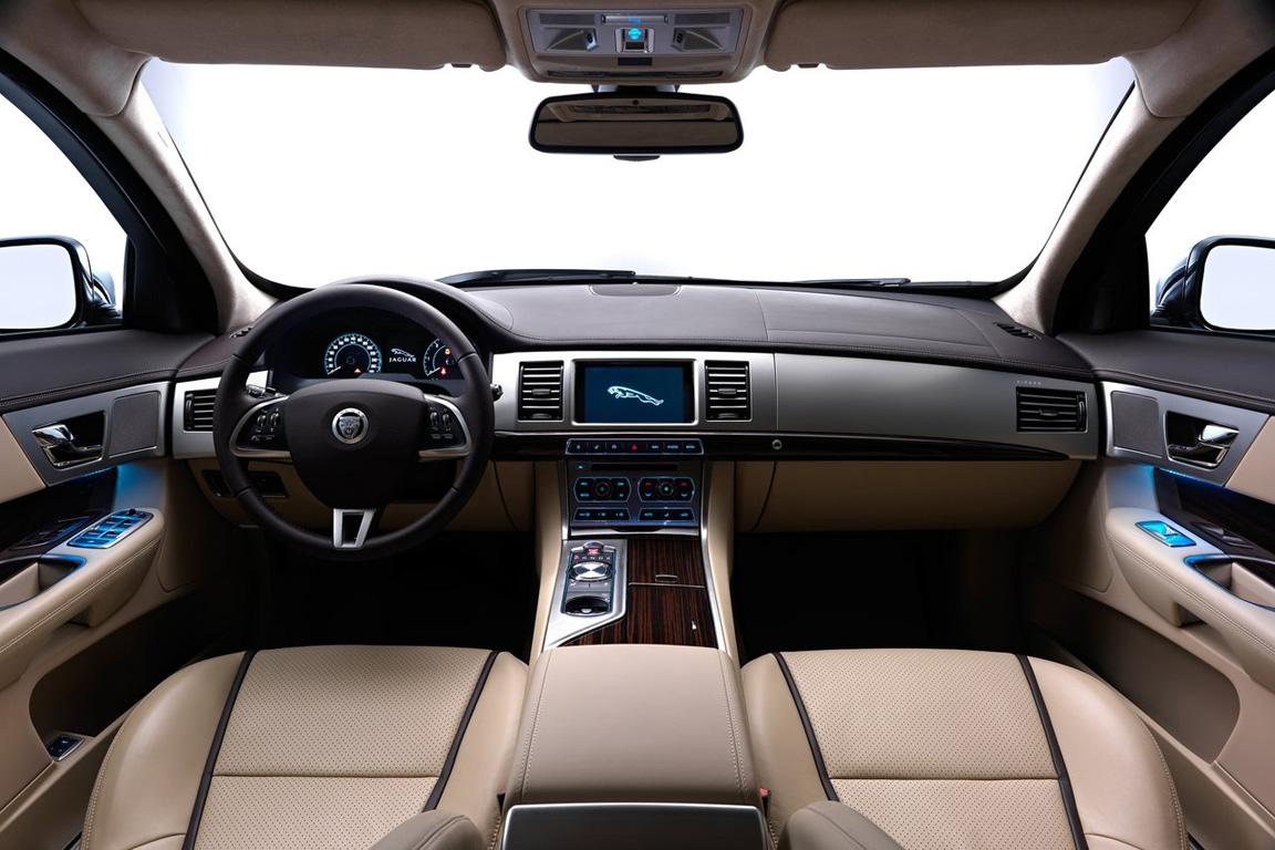 Jaguar-XF_Sportbrake_2013_1280x960_wallpaper_11.jpg