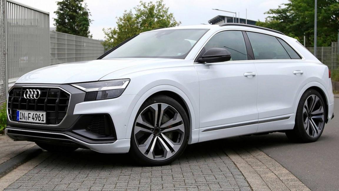«Заряженый» Audi SQ8 без камуфляжа