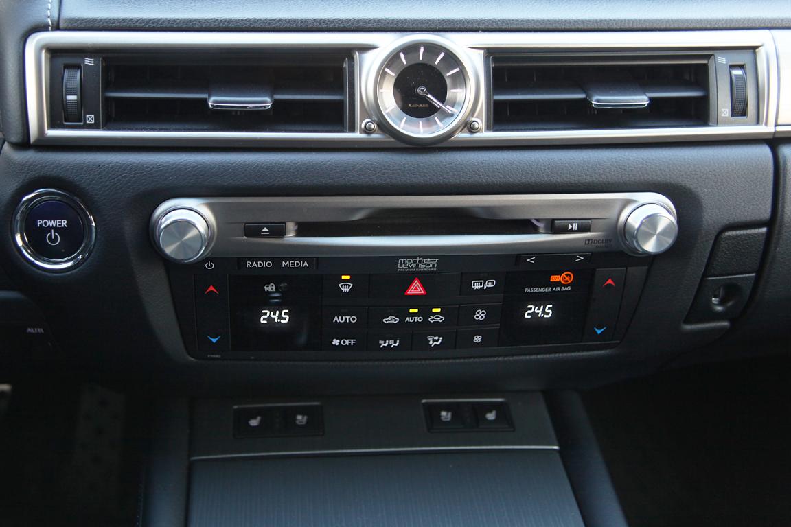 Lexus GS: Большой белый