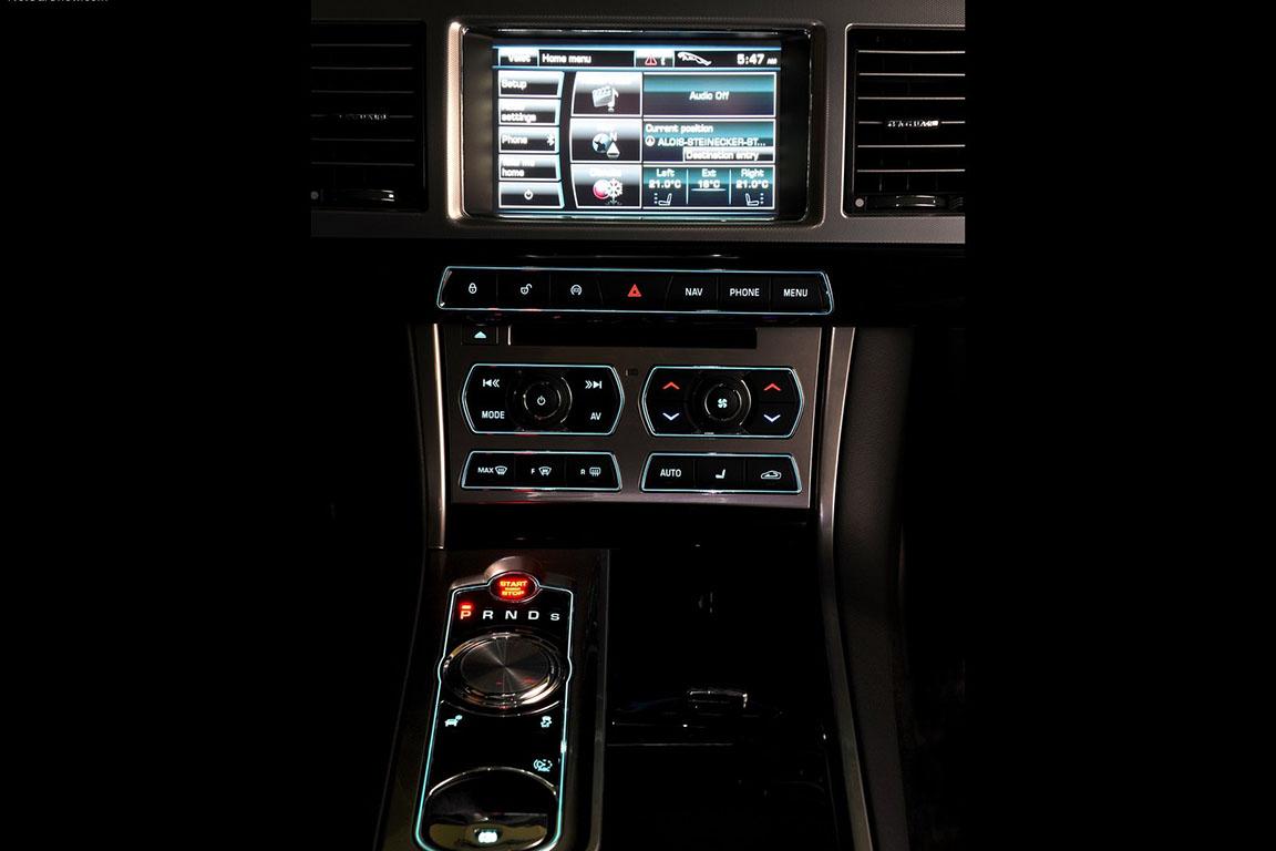 Jaguar XF: Сила породы